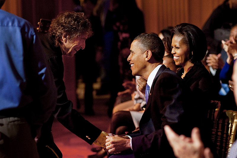File:Dylan-Obamas-White House-20100209.jpg