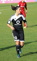 Marozsán playing for 1. FFC Frankfurt in 2015