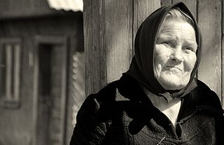 320px-Elderly_woman_in_Transylvania.jpg