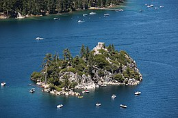 Emerald Bay with Fannette Island (7617748652).jpg