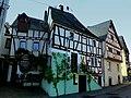 Enkirch – Fachwerkhäuser in der Sponheimer Straße - panoramio.jpg