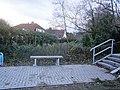 Entenschnabel-Treppe-VormalsStandortBerlinerMauer-alsGrenze-nach30JahrenRuheplatz.jpg