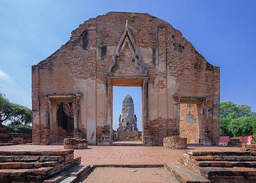 Entrance of Wat Ratchaburana (Ayutthaya)
