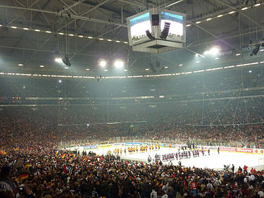 Veltins-Arena during the opening game of the 2010 IIHF World Championship, which was attended by 77,803 people. Eroeffnungsspiel eishockey wm 2010.jpg