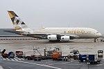 Etihad Airways, A6-API, Airbus A380-861 (39746338105).jpg