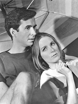 Anthony Perkins och Charmian Carr (1966).