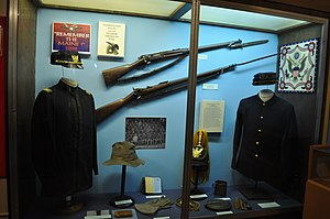 Springfield Model 1892–99 - American Springfield Armory Krag (top) in a Spanish–American War museum exhibit.