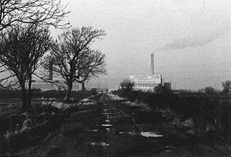Staythorpe Power Station - Photograph of Farndon taken in 1973 from the north end of Marsh Lane looking west showing Staythorpe A and B power stations in the distance