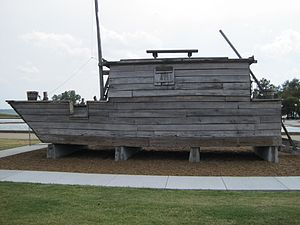 Randolph, Tennessee - Modern replica of an early 1800s flatboat