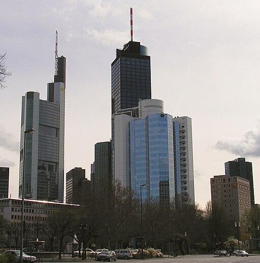 Frankfurt am Main Hessen Germany Skyline der Banken und Versicherungen 2005 Foto Wolfgang Pehlemann Wiesbaden PICT0038