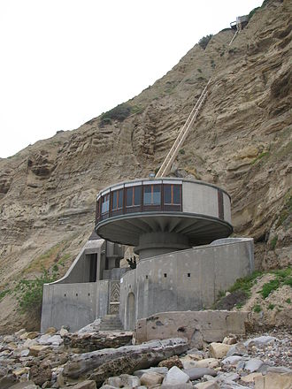 Black's Beach - Beach house on south end of Black's Beach, north of Scripps Pier with funicular to La Jolla Farms mansion atop cliff