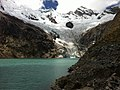 Galcier at Lagoa Arhuaycocha - panoramio.jpg