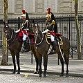 Garde et Officier Régiment cavalerie garde républicaine.jpg
