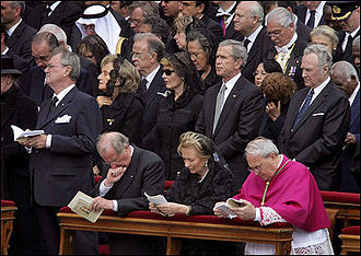 Arnold Rüütel - Image: George W. Bush John Paul II funeral