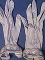 Glove, women's (AM 565065-1).jpg