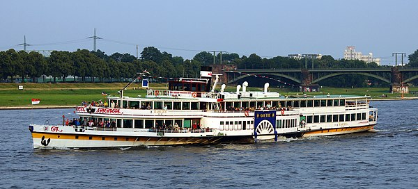 Paddle steamer Goethe in Cologne
