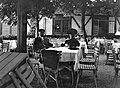 Graz, Stájerország. A Schlossbergre vezető kötélpálya állomása. Cholnoky Jenő földrajztudós édesanyjával Fortepan 20006.jpg