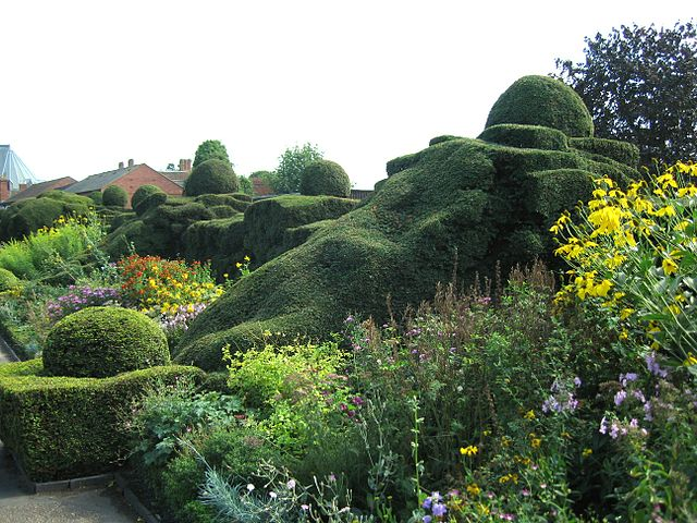 File:Great Garden, New Place, Stratford-upon-Avon.jpg - Wikimedia ...