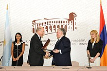 Héctor Timerman and Edward Nalbandian 04.09.2012 Yerevan (1).jpg