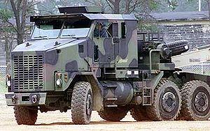 Tank transporter - Oshkosh M1070 tractor unit of the HET heavy equipment and tank transporter system