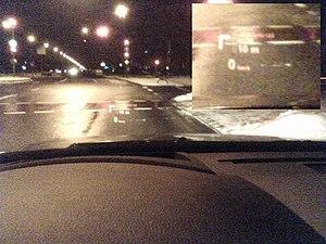 HUD in der Nacht in einem BMW 5er (E60).jpg