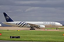 HZ-AKA 2 B777-268ER Saudi Arabian(SkyTeam) MAN 08APR14 (13717760865).jpg