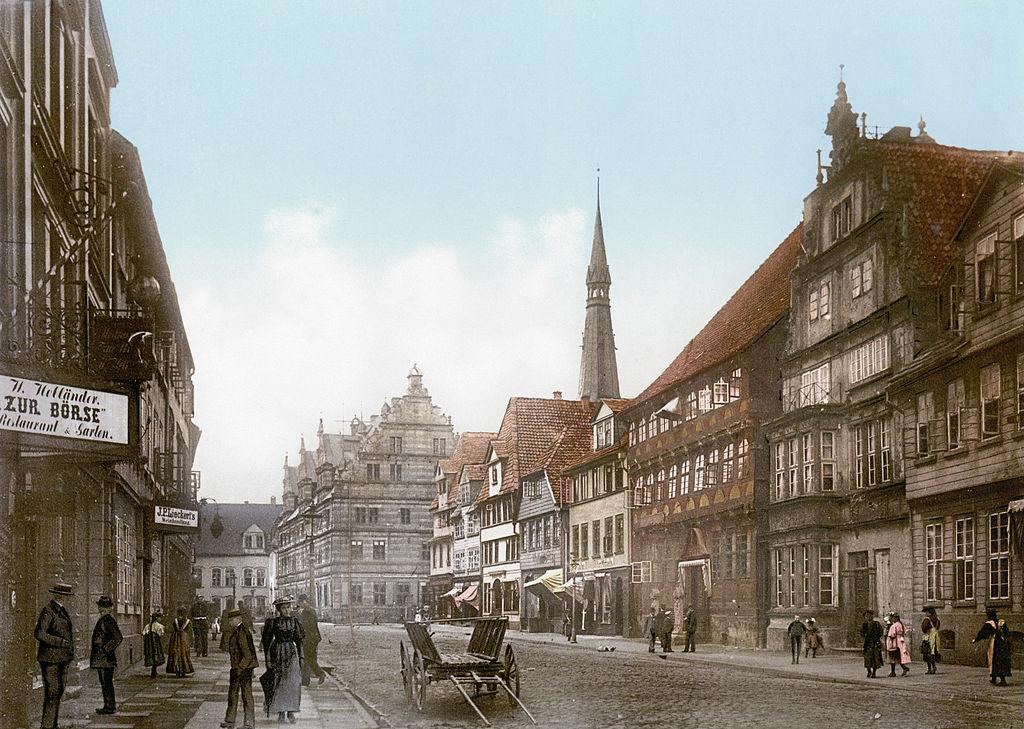 File hameln um wikimedia commons for Ohrensessel um 1900
