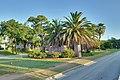 Heights Boulevard Esplanade (HDR).jpg