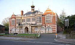 Toà nhà thị chính Hendon, hiện nay vẫn là trụ sở Hội đồng Barnet
