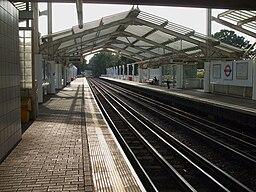 Hillingdon stn look west