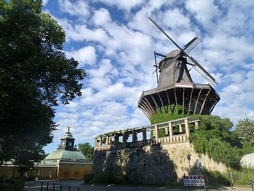 Historische Mühle, Neue Kammern, Sanssouci, Potsdam - panoramio