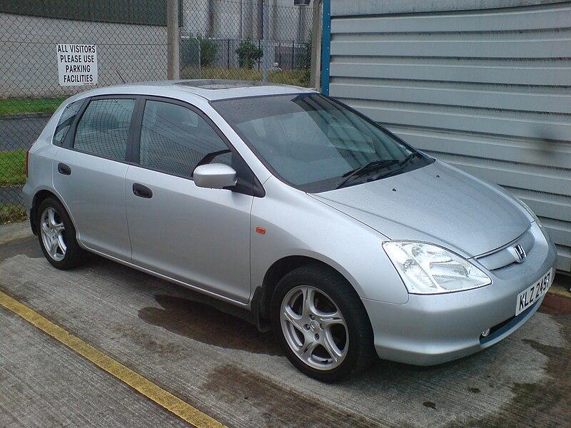 LE 50 auto più vendute in Italia nel 2012 800px-Honda_Civic_1600cc_Vtec_2002_NI