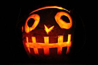 Hop-tu-Naa - A Hop-tu-Naa turnip carved with a face