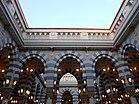 Внутри Masjid.e.Nabavi - panoramio.jpg