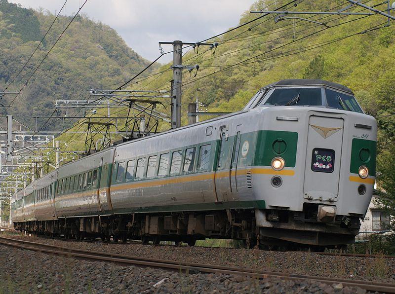 File:JRW EC 381 series yakumo color in minagi.jpg