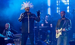 Jamiroquai - The O2 - Sunday 3rd December 2017 JamiroquaiO2031217-13 (24269015797) (cropped).jpg