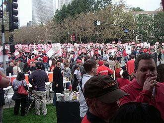 2007–08 Writers Guild of America strike - Writer-actor Jeff Garlin of Curb Your Enthusiasm (foreground, right) and others at a WGAW rally outside the Fox Studios in Los Angeles.