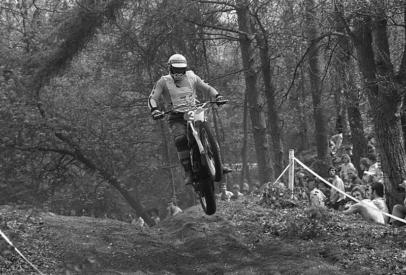 Nécrologie - sports mécaniques (Nino Vaccarella) - Page 6 800px-Joel_Robert_in_actie%2C_Bestanddeelnr_925-5857