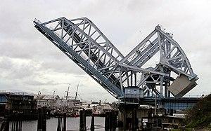 Johnson Street Bridge - Image: Johnson St Bridge Open
