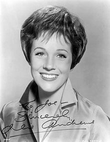 Portrait photo of Julie Andrews smiling