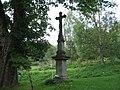 Kříž před kaplí svatého Jana Nepomuckého v Klepáčově (Q72740327) 01.jpg