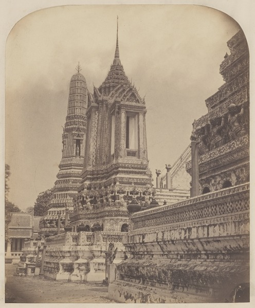 File:KITLV 4957 - Isidore van Kinsbergen - Pagoda in the temple (Wat Arun) of Crown Prince Krom Loeang Siam Bangkok - 1862-02.tif