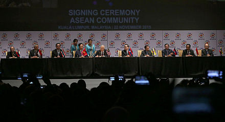 ASEAN leaders sign the declaration of the ASEAN Economic Community during the 27th ASEAN Summit in Kuala Lumpur, 2015 - Association of Southeast Asian Nations