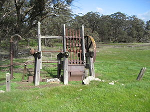Kendenup, Western Australia - Battery nearby, used for crushing the ore