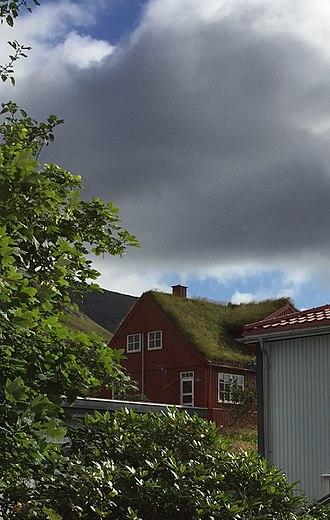 Klaksvík - Soil roofed house in Klaksvik