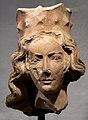 Kopf einer gekrönten Heiligen (1245-50) im Spitalmuseum Aub.jpg