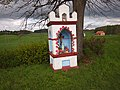 Kraszewo, kapliczka przydrożna, przy DK 51 - panoramio.jpg