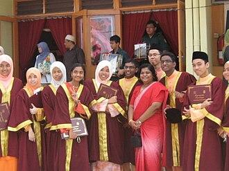 "SMS Kuala Selangor - Students wearing the ceremonial robe during ""Hari Penganugerahan Kecemerlangan""."