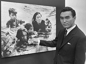 "Kyōichi Sawada - Kyōichi Sawada (1965), and his work ""Flight To Safety"""