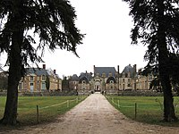 La Ferté-Saint-Aubin château 1.jpg